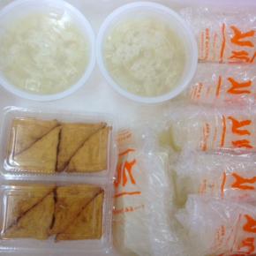 4/2(mon))本日の仕入れです。  浦添市 佐久川豆腐(九州産ふくゆたか一等大豆使用)の島豆腐・ゆし豆腐・厚揚げ豆腐が入荷しました。