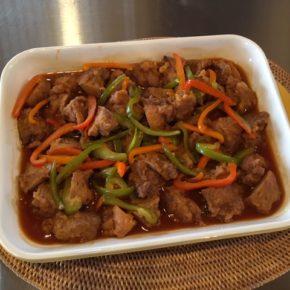 6/15(sat)のデリ!無農薬米の玄米おにぎり、ライスコロッケ、秋川牧園の鶏もも肉の甘酢あん、春雨サラダをご用意しています。
