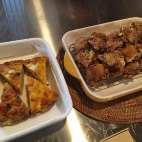 大人気!秋川牧園 鶏もも肉の唐揚げ、スパニッシュオムレツもご用意できました!!