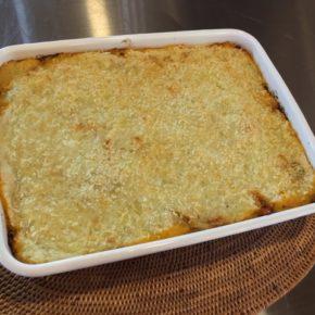 パルマンティエ(南瓜とズッキーニの入ったミートソースとマッシュポテトのグラタン)が焼き上がりました!このあと油淋鶏(ユーリンチー)を揚げます!!