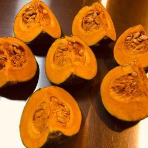 デリの「栗かぼちゃの煮物」も人気ですが、「カットかぼちゃ」も使いやすいとご好評いただいています。