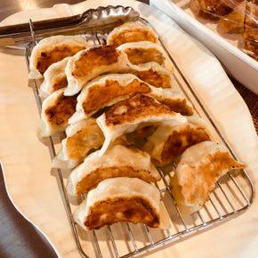 本日10/23(土)は中華デリの日!中華弁当・お惣菜・焼き餃子をご用意しています。 ※無化学調味料で食材は全てハルラボにあるものだけで作っています。